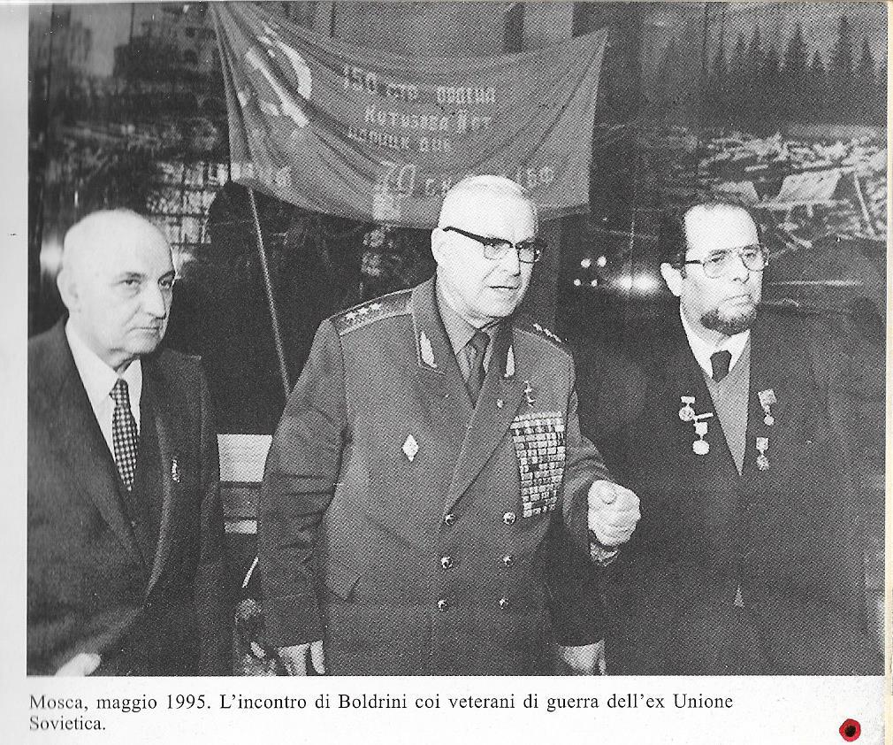 Boldrini con veterani sovietici a Mosca, 1995